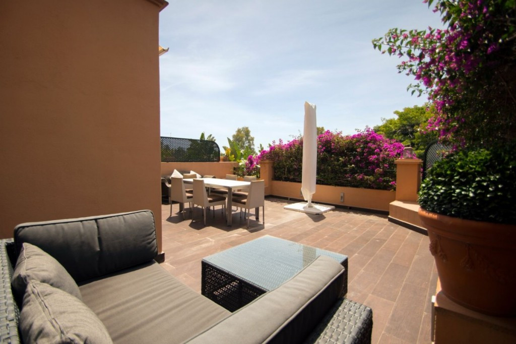Wonderful fully renovated apartment with two bedrooms and two bathrooms located in the prestigious u,Spain