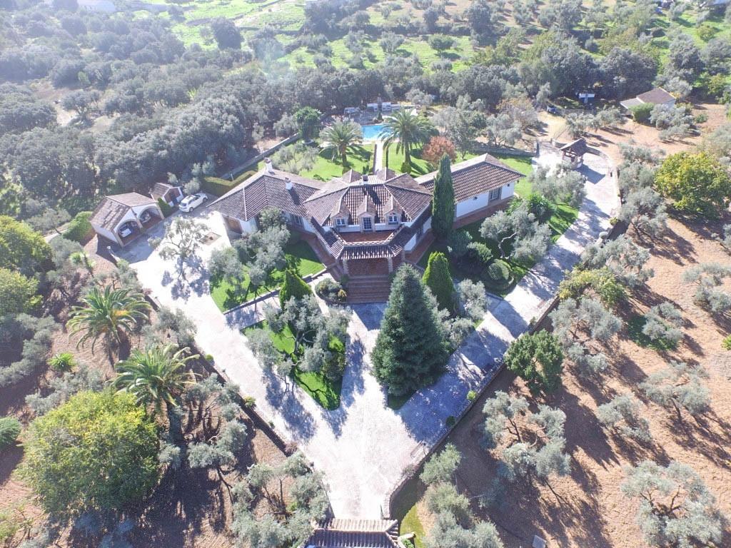 Villa con 4 Dormitorios en Venta Ronda