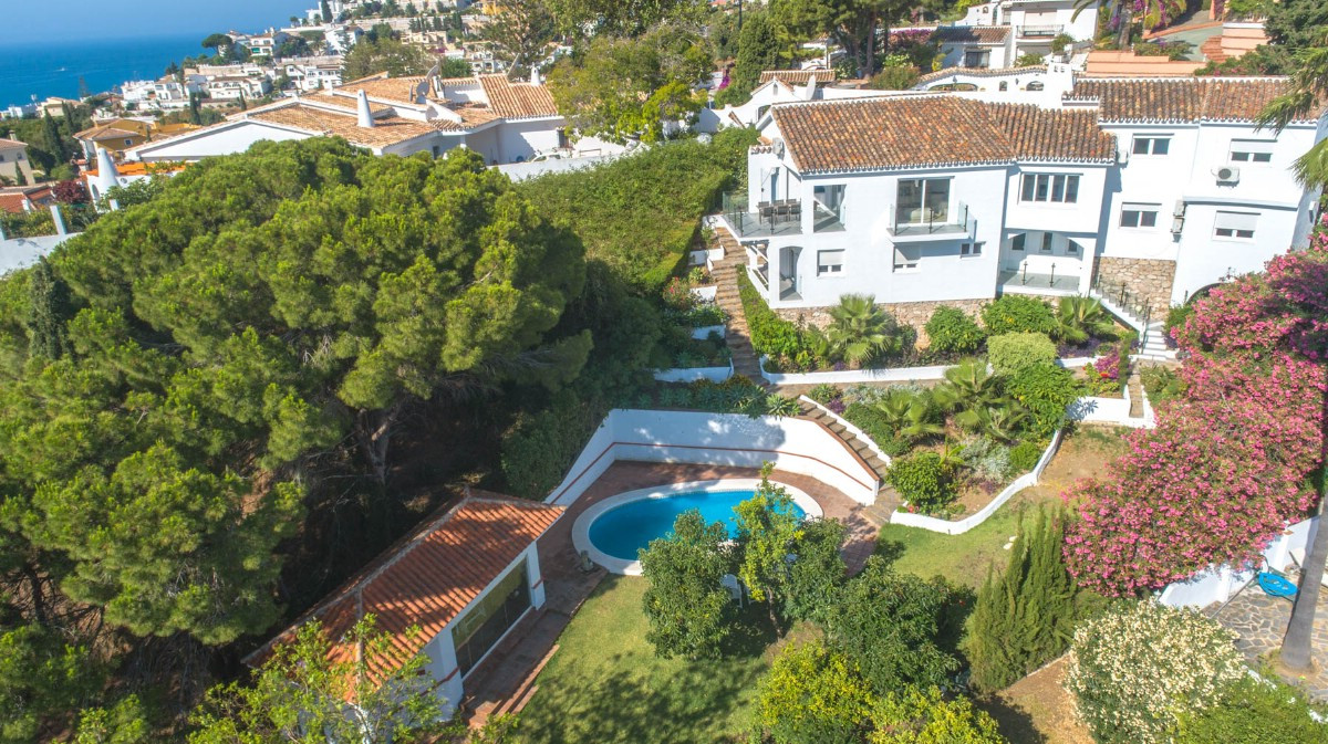 Bright and spacious Villa completely renovated with modern style located at a short distance from th, Spain
