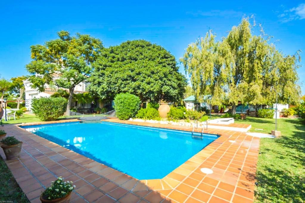 Fritliggende Villa i Torremolinos R2789882