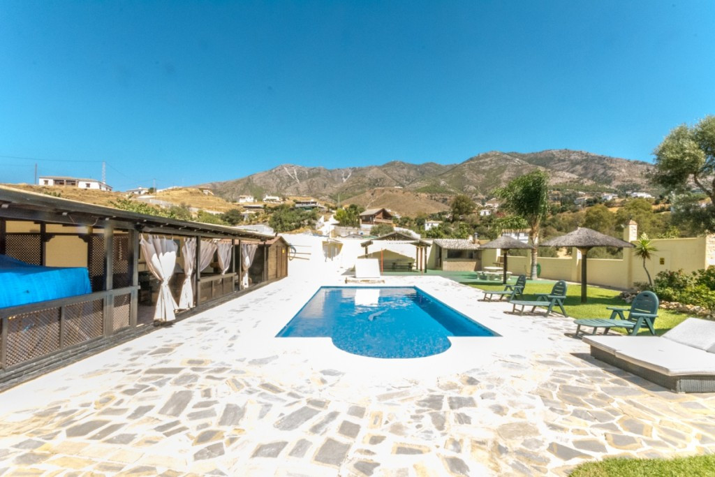 Fantastic Finca in La Alqueria with panoramic views of the sea and the mountains. 100% privacy.  Rec,Spain