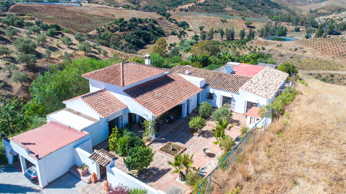 Amazing Beautifully Designed and Constructed Finca in a Rustic Hacienda Style with all Modern Conven Spain