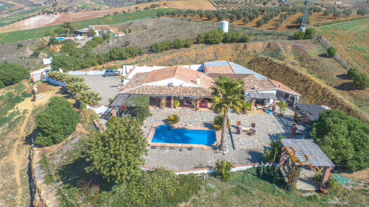 Beautiful and spacious Finca with accommodation for guests and stables located on a hill with panora, Spain