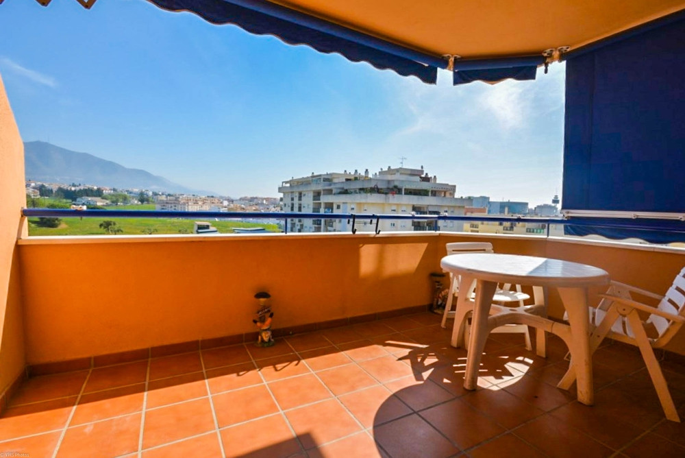 Apartment located in Las Lagunas area next to all amenities such as bars, supermarkets, shops, publi,Spain