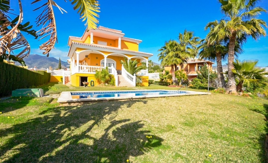 New price reduction from 825.000€ to 745.000€ for a quick sale!  Beautiful Villa in Benalmadena with,Spain