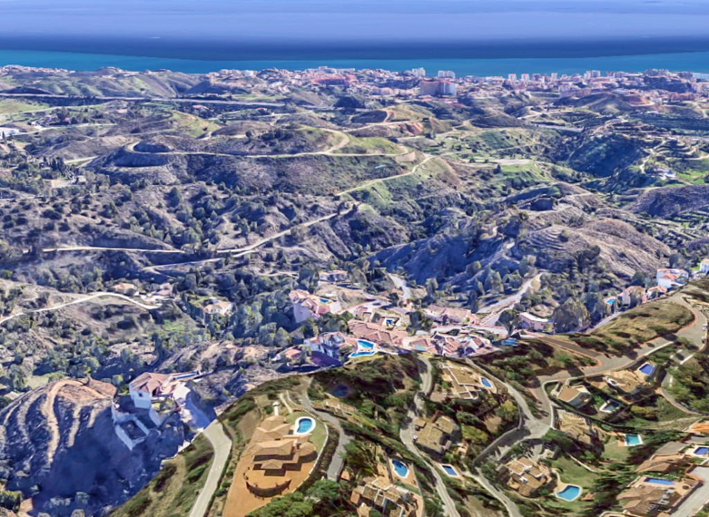 Larges plots ideal for Villas with open sea, Gibraltar or mountain views...  Plot from 600m2 to 915m, Spain