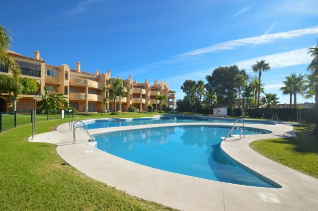 "Large apartment located in the urbanization ""El Porton"" on top of Calahonda but close to r, Spain"