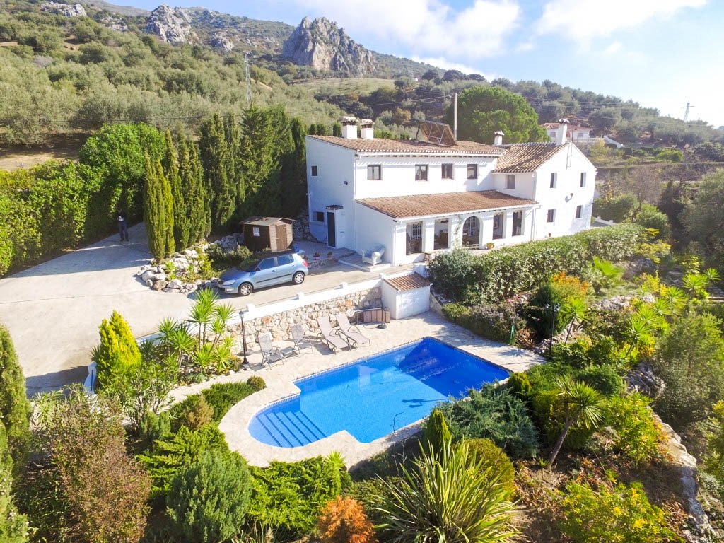 Beautiful Finca style Spanish Cortijo of more than 200 years old in perfect condition and ready to m, Spain
