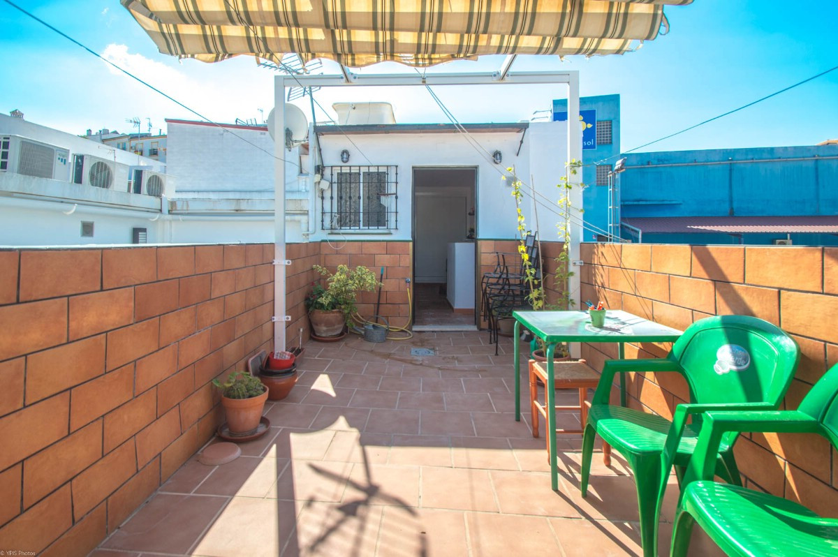 Beautiful corner townhouse with large sunny terrace and panoramic views located within walking dista, Spain