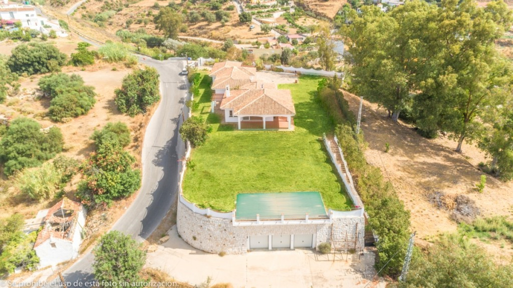Modern Villa in one floor with 100% privacy in Mijas with separate apartment and beautiful views.  I,Spain