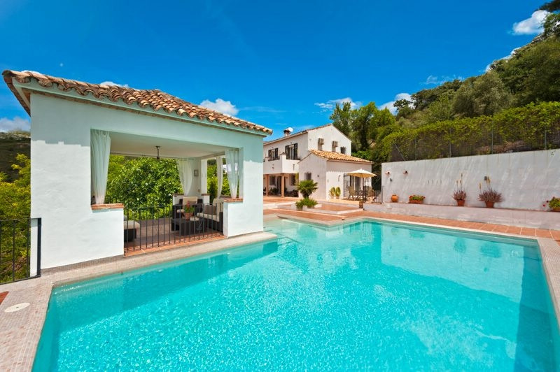 OPPORTUNITY!! NEW REDUCTION TO 499.000€ FOR A FAST SALE!!  This fabulous country house is situated i, Spain