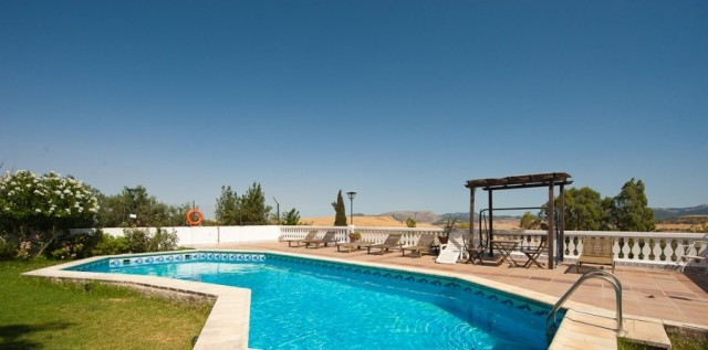 "Lovely Finca with excellent tarmac access located just minutes from the Andalusian village ""Can Spain"