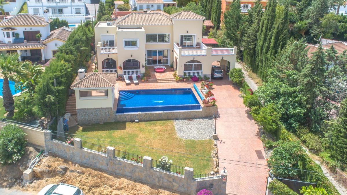 Detached Villa in Alhaurín el Grande R3426607