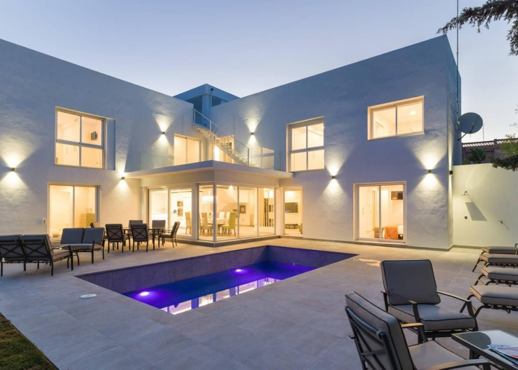 Luxurious Villa completely renovated and located in one of the most exclusive urbanization in Marbel,Spain