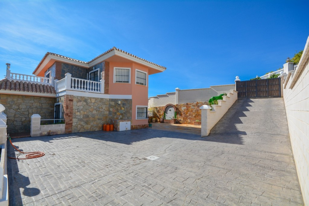Villa Detached Benalmadena Málaga Costa del Sol R206585 7