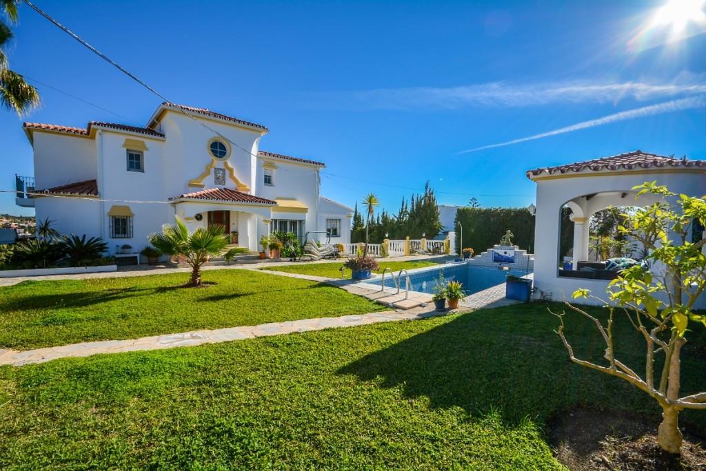 Fritliggende Villa i Estepona R2833532