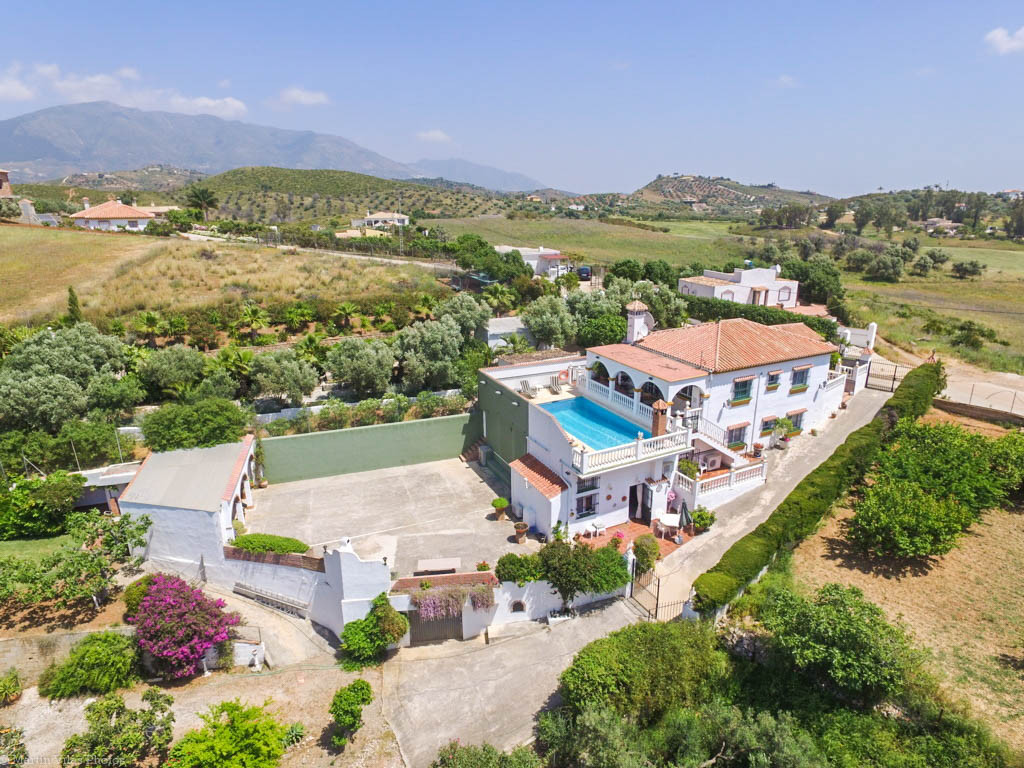 Spacious Finca with independent apartment located in quiet, private area but a short distance from t,Spain