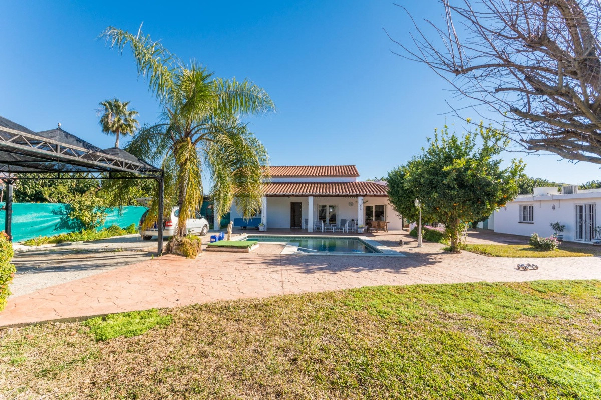 Beautiful Finca recently renovated with separated guest house.  It is distributed as follows: Ground,Spain