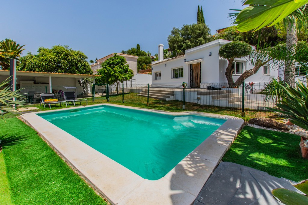 Villa, Detached  for sale    in Mijas Costa
