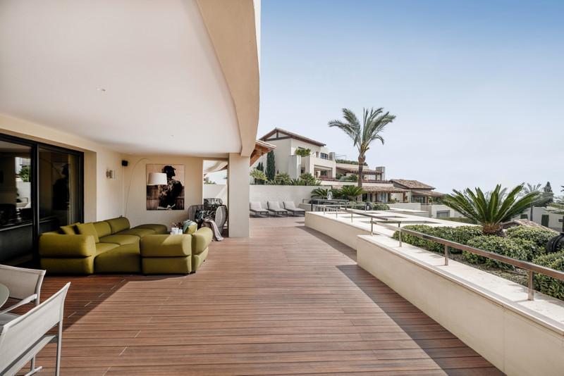 Marbella Banus Apartamento Planta Media en venta en The Golden Mile – R3630632