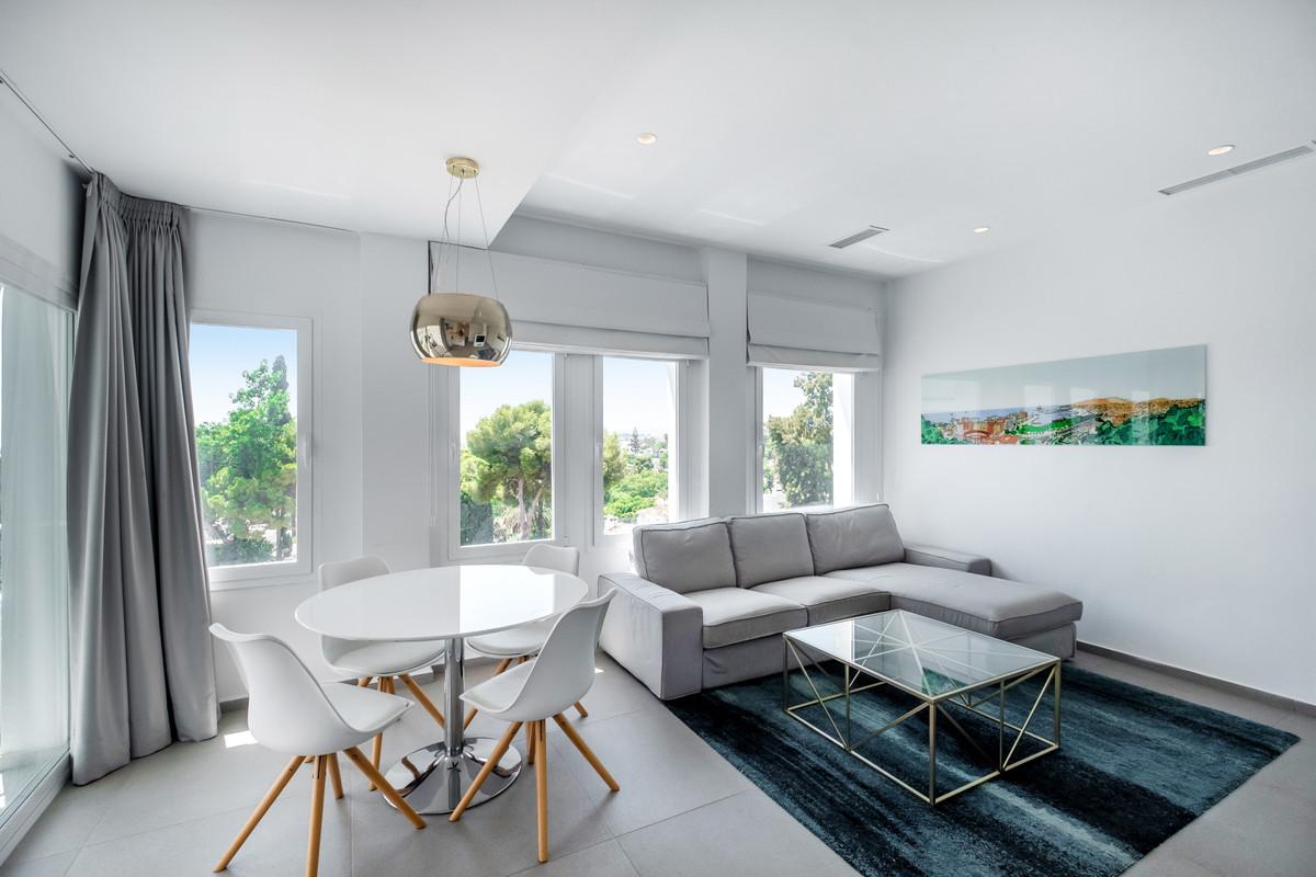 Marbella Banus Apartamento en Venta en Nueva Andalucía – R3704186