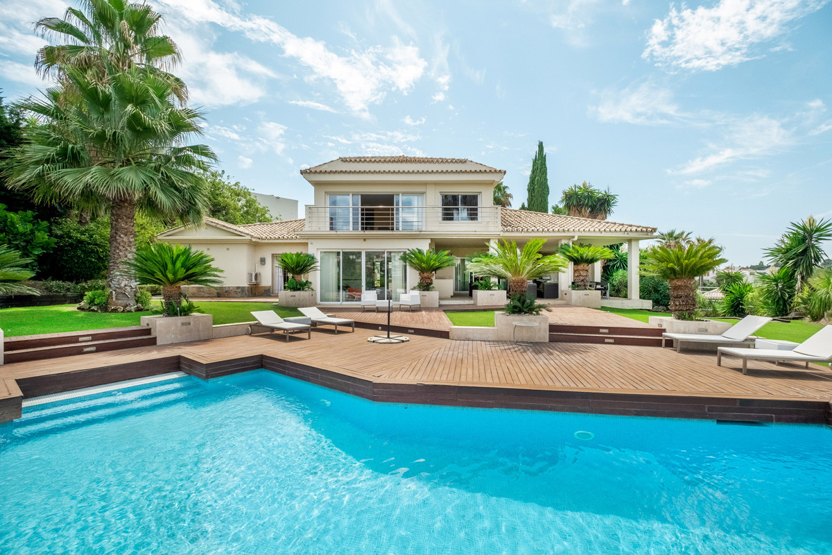 Fantastic opportunity to own one of the very few front line golf villas for sale in the golf valley.,Spain