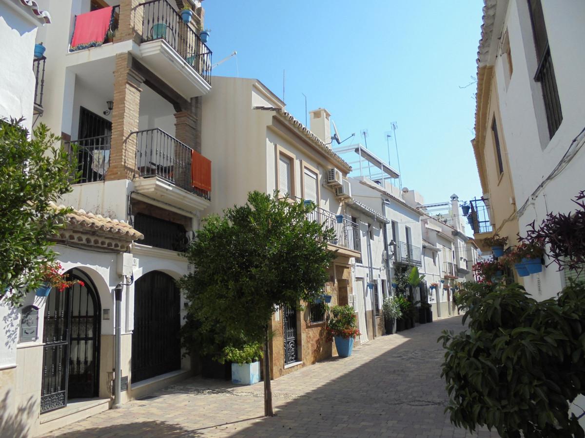 House - Estepona - R3667712 - mibgroup.es