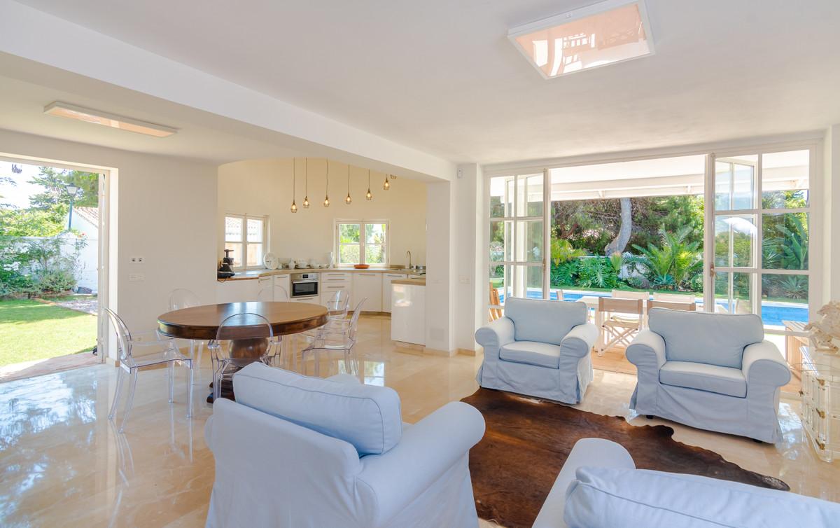Villa – Chalet en Venta en Atalaya – R3676649