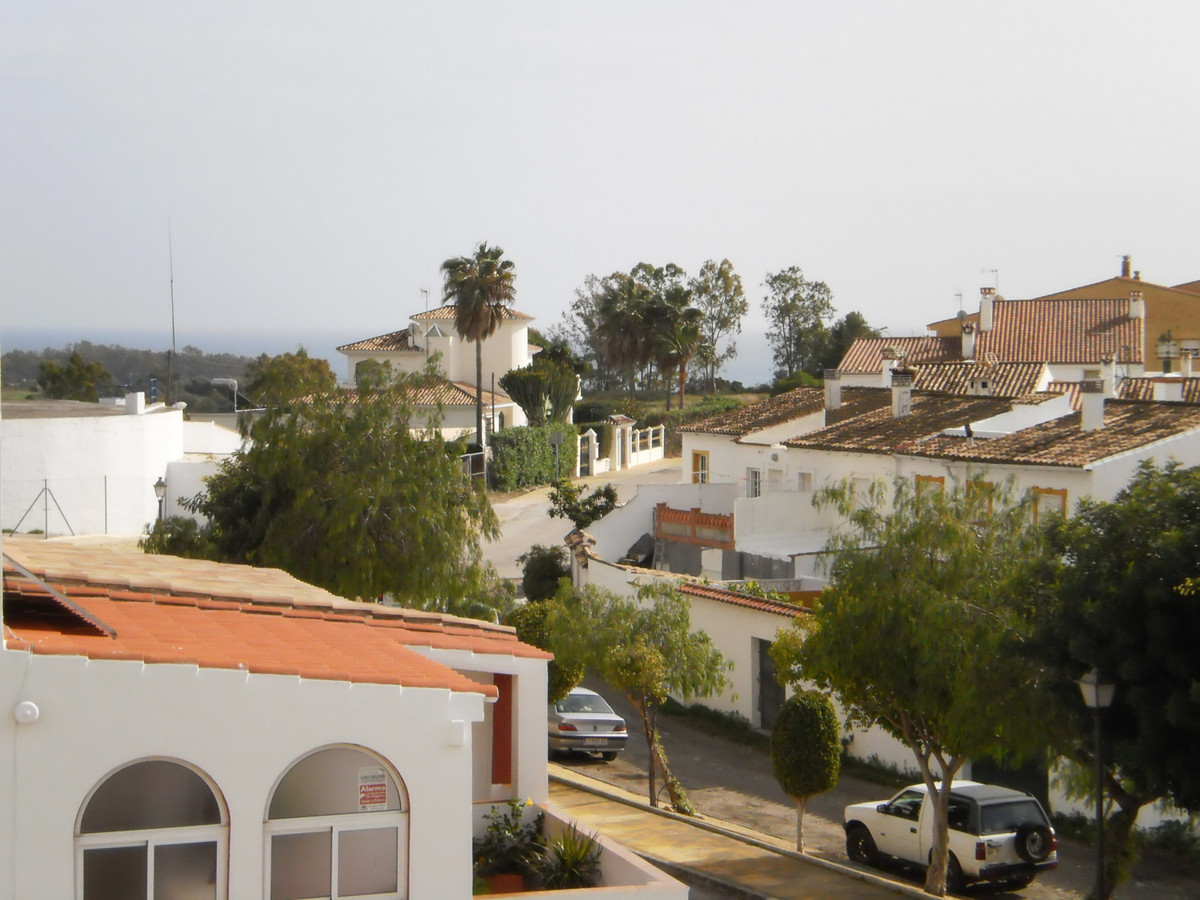 Townhouse with guest apartment near the beach