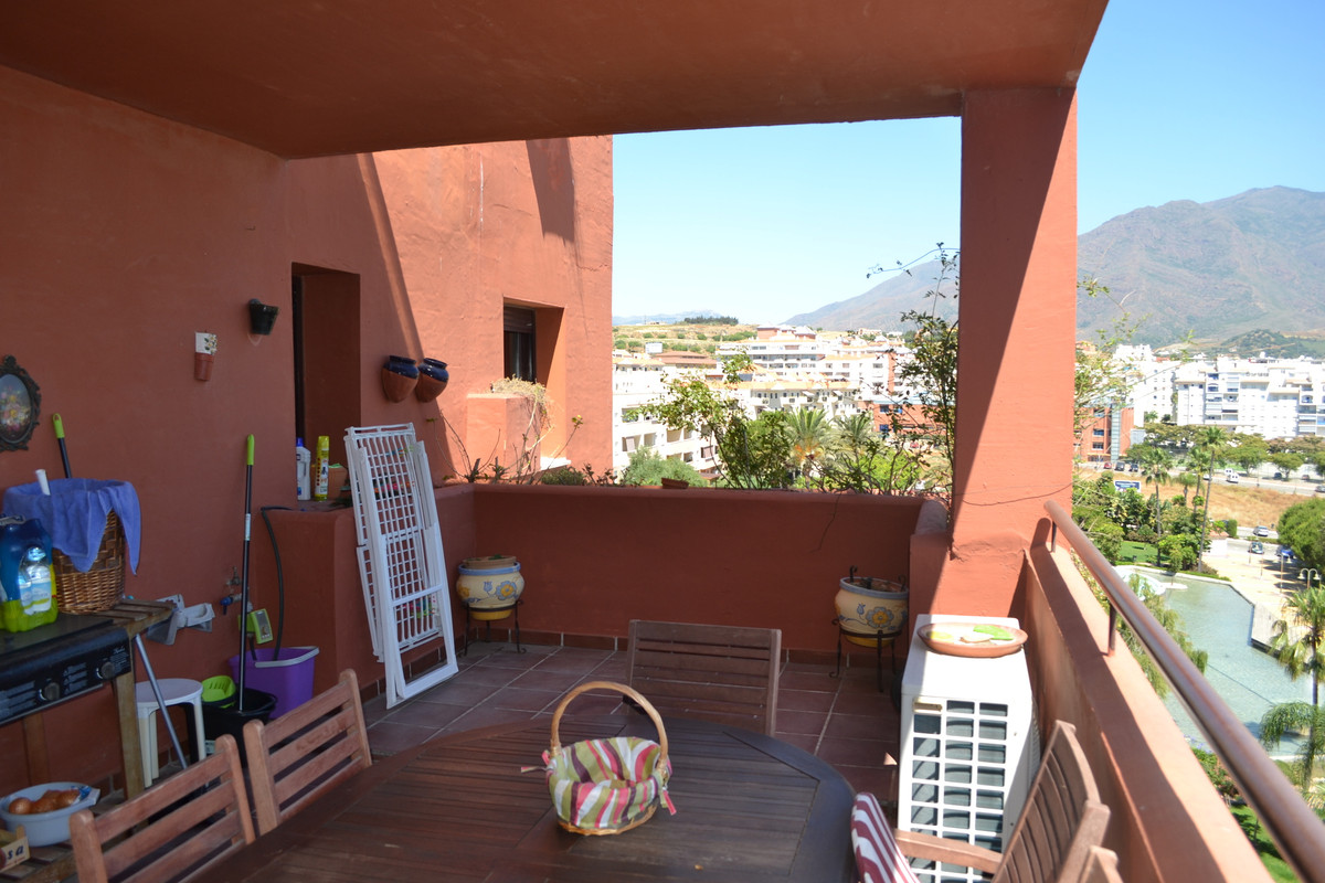 In the heart of Estepona, live the life you deserve