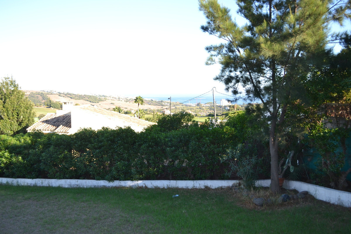 Close to the golf valley, Estepona on your doorstep