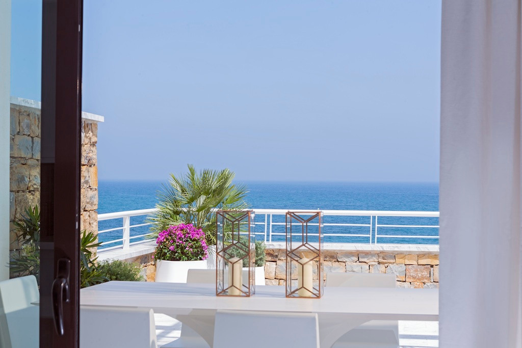 Unbeatable beachfront views from this penthouse