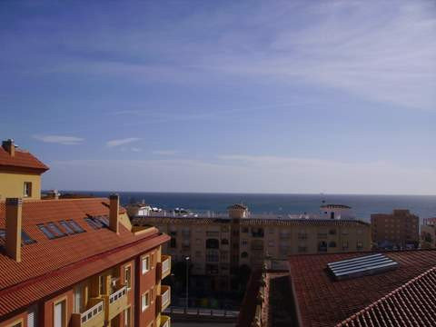 2 bed flat on the Costa del Sol with beach on your doorstep