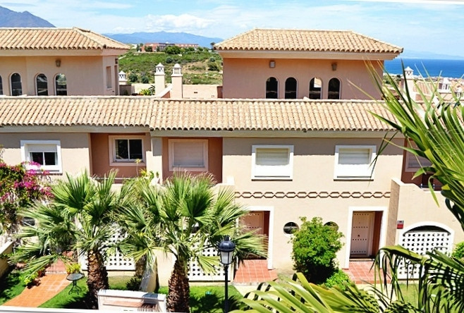 Stylish townhouse on the Costa del Sol, near beautiful marina