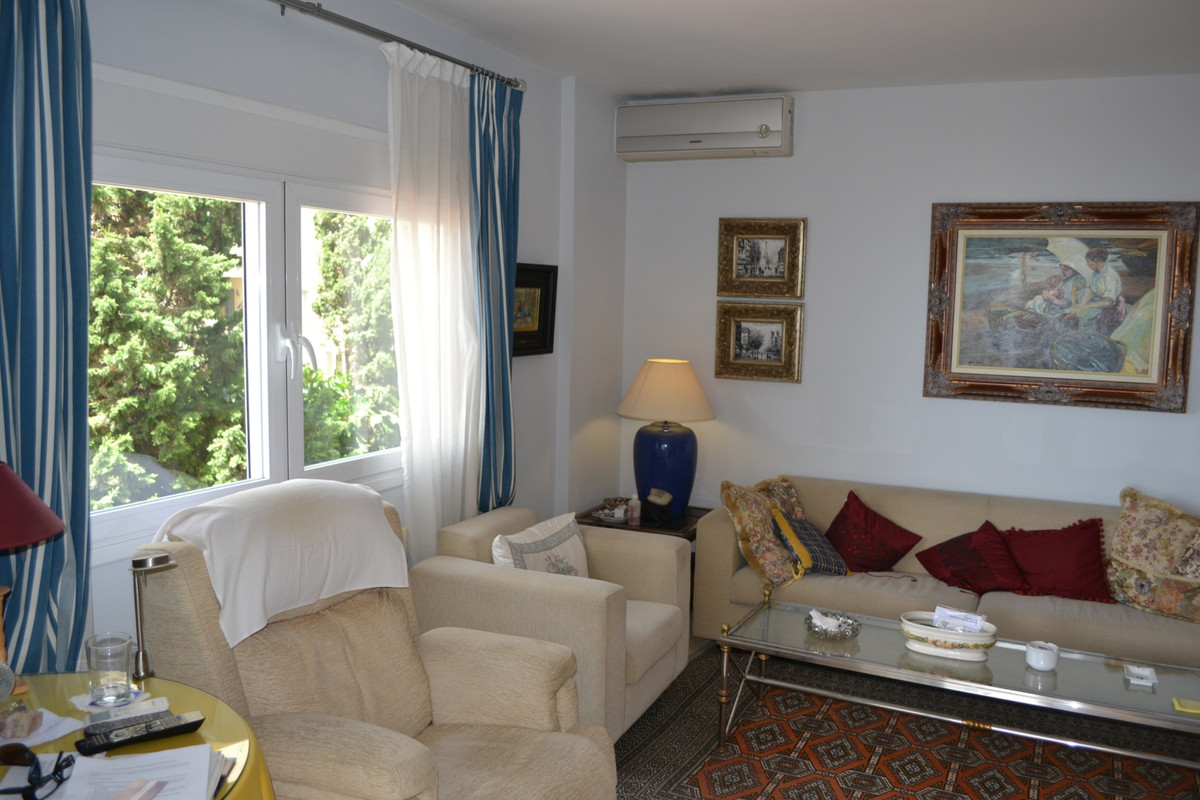 Exceptional apartment overlooking the Port of Estepona