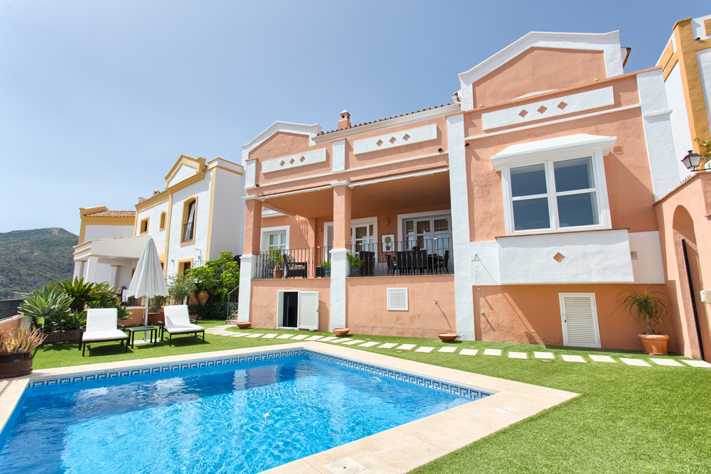 Andalucian style townhouse in Monte Mayor Country Club