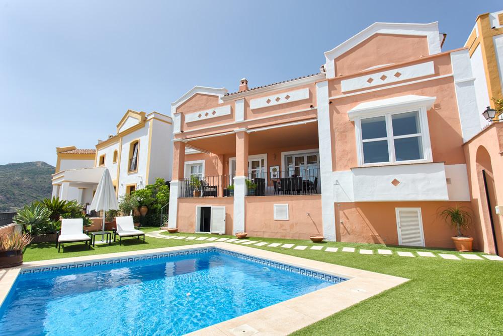 Marbella Banus Adosado en Venta en La Heredia – R3250888