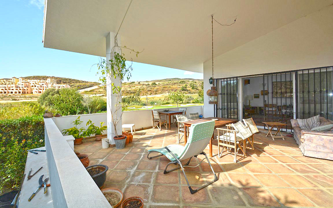 FRONT LINE GOLF VILLA WITH BEAUTIFUL VIEWS ACROSS THE VALLEY.