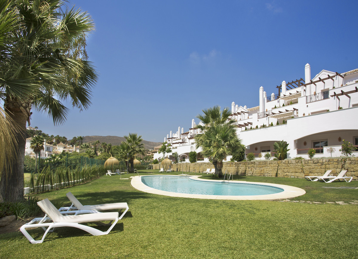 2 bed apartment in Nueva Andalucia