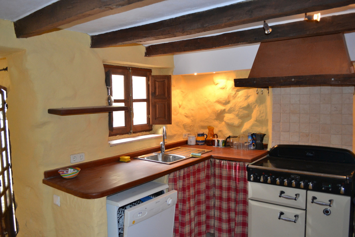 Tsea2897390 Picture 3 Charming Townhouse In Traditional Spanish Village