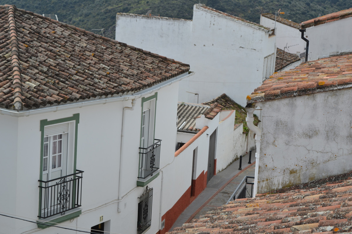 Charming townhouse in traditional Spanish village