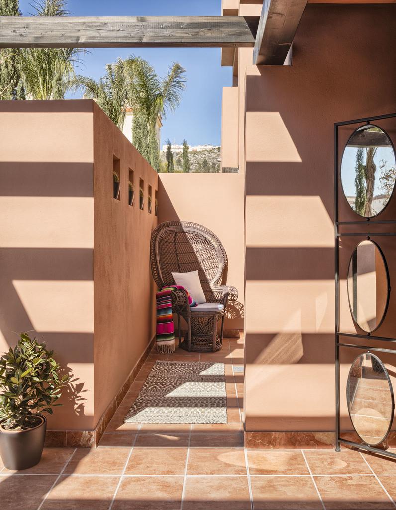 Live the Santa Fe lifestyle on the Costa del Sol