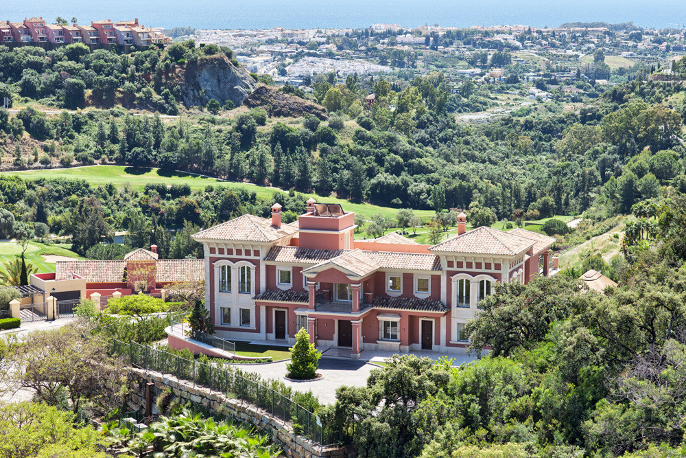Panoramic views of the Med for this 9 bed villa