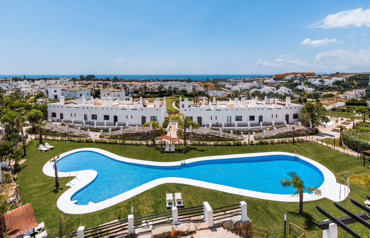 Luxury townhouses and apartments with amazing sea views