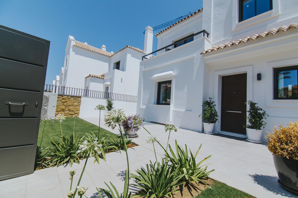 4 bed properties in sought after area of La Cala de Mijas
