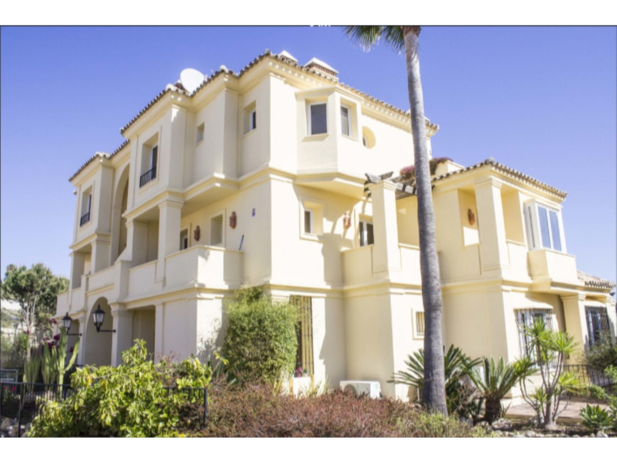Luxury 4 Bed Apartment with Terrace, Casares Playa
