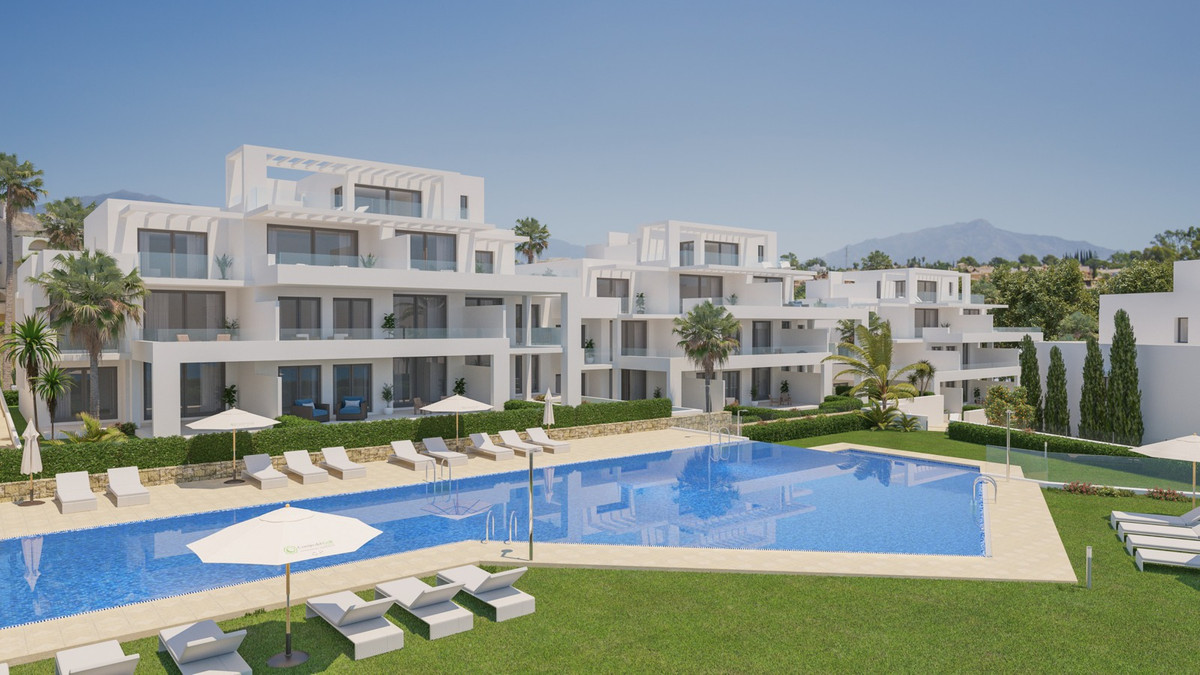 PENTHOUSE APARTMENT IN GOLF AND COUNTRY CLUB DEVELOPMENT.