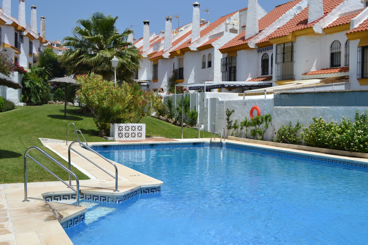 Close to Estepona marina - family home