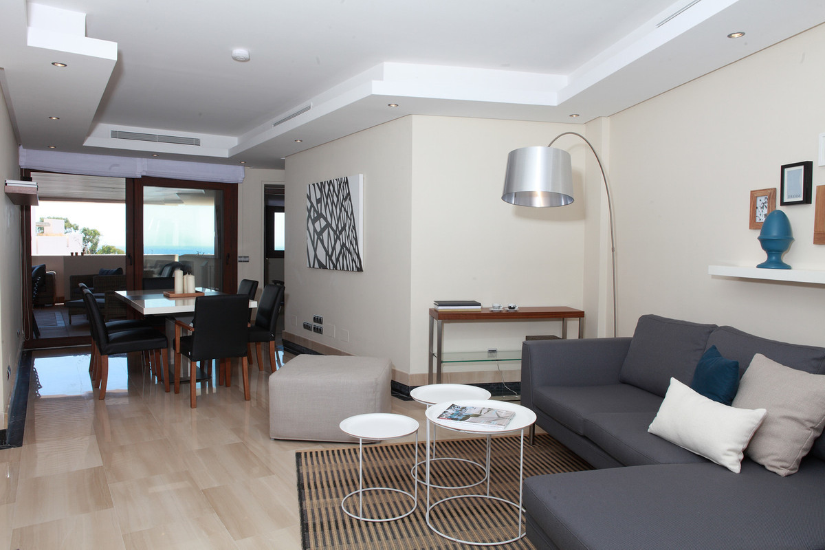 IN A 5* LOCATION - ON THE BEACHES AND ESTEPONA PROMENADE