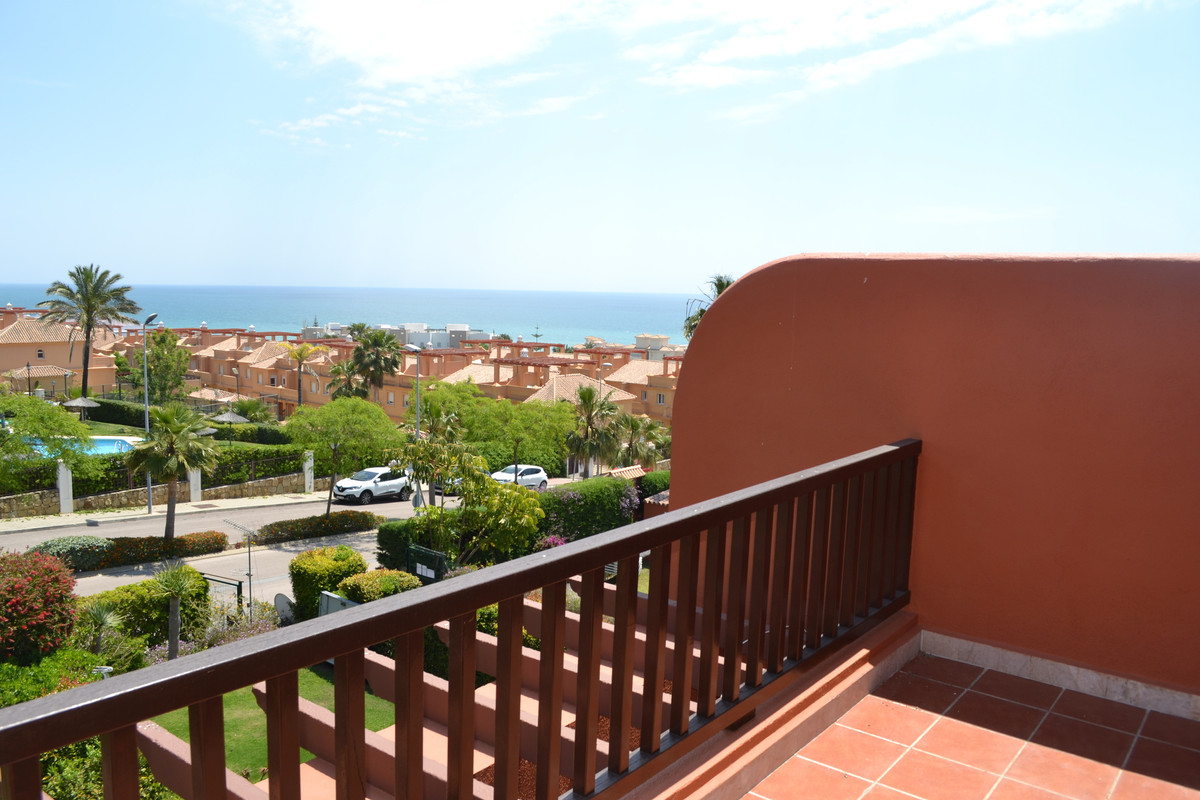 Townhouse at a short distance from both Estepona and Sabinillas / La Duquesa.